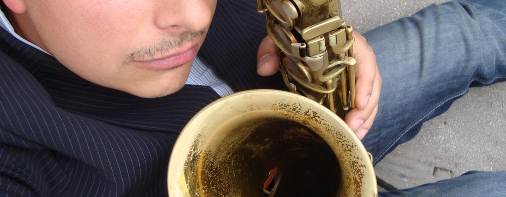 Přední britský saxofonista Alex Garnett zahraje na Malé scéně za oponou