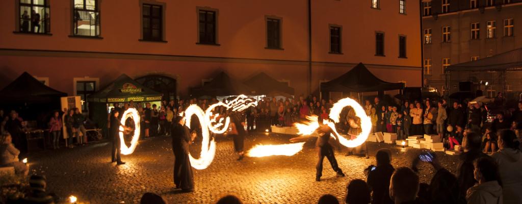Meziříčská muzejní noc hrála barvami a přilákala do Valašského Meziříčí desítky stovek návštěvníků
