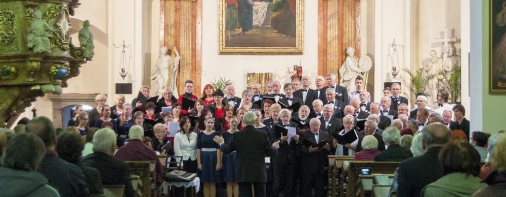 Festival duchovní hudby zaplnil meziříčský kostel Nanebevzetí panny Marie