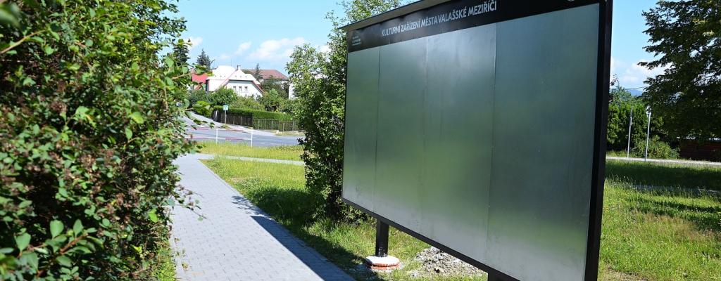 Město modernizuje plakátovací plochy