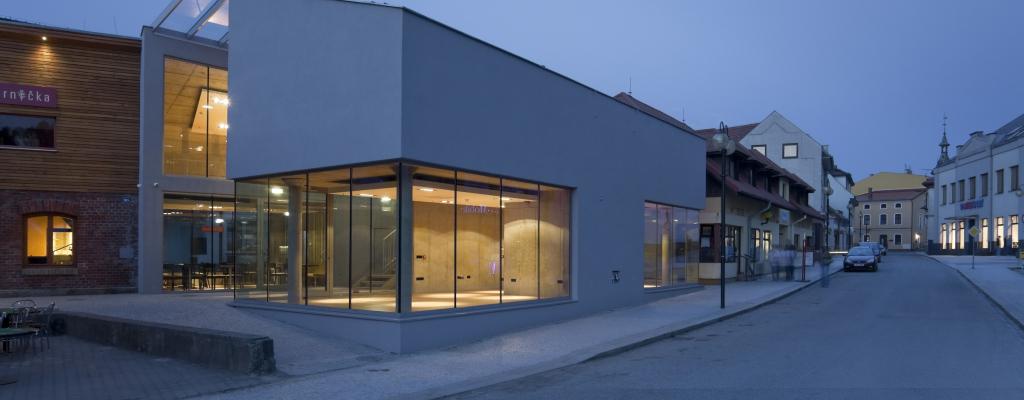 Architektonická výstava Kamila Mrvy představí průřez tvorbou jeho ateliéru