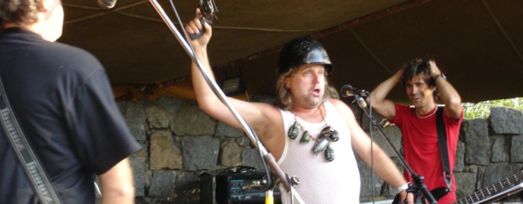 Stará dobrá ruční práce zahraje společně s Nirvana.cz a Jimi Hendrix Forever v M-klubu
