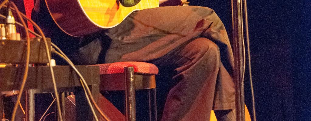 Jazz a blues v podání vynikajícího Tonyho Ackermana