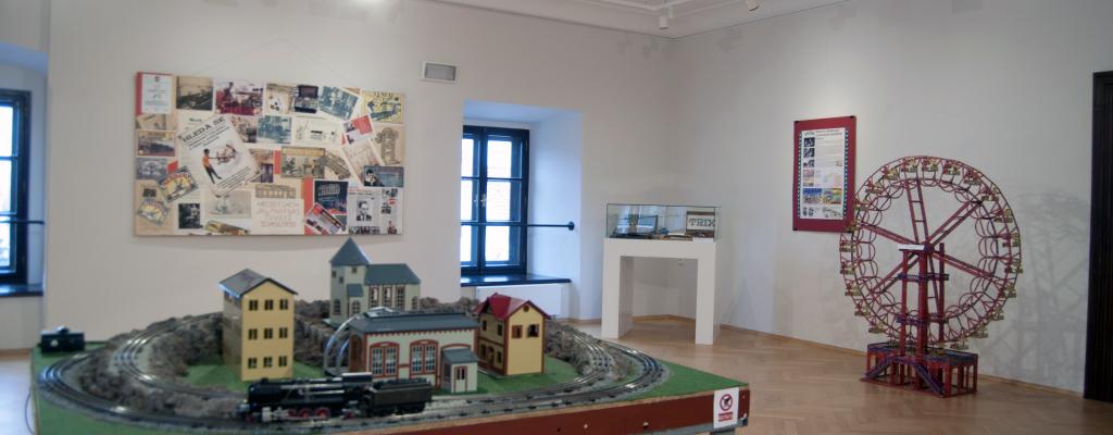 Do Muzejního a galerijního centra za stavebnicemi i loveckými trofejemi