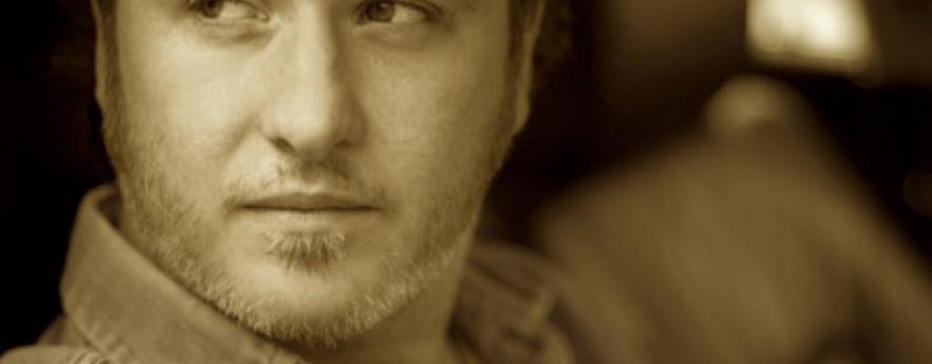 Do M-klubu zavítá irský zpěvák a skladatel Mundy