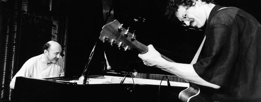 Kytarista Tony Ackerman zahraje na Malé scéně s Martinem Kratochvílem