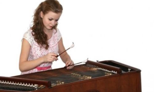 Gabriela Jílková – cimbál -  Tamás Bácsi – klavír (HU)