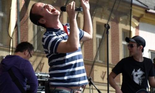 Špalíček nabídne české i zahraniční hudebníky