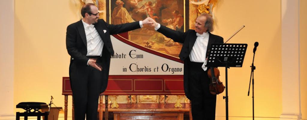 Pánové Václav Hudeček a Martin Hroch zahrají v Kulturním zařízení v rámci Moravského koncertního turné 2014
